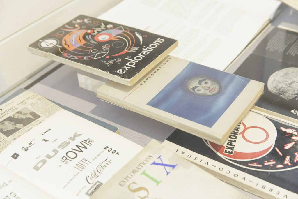 "Publikationen, ""Feedback 5: Global Warning – Marshall McLuhan and the Arts"", Museum für Kommunikation Frankfurt"