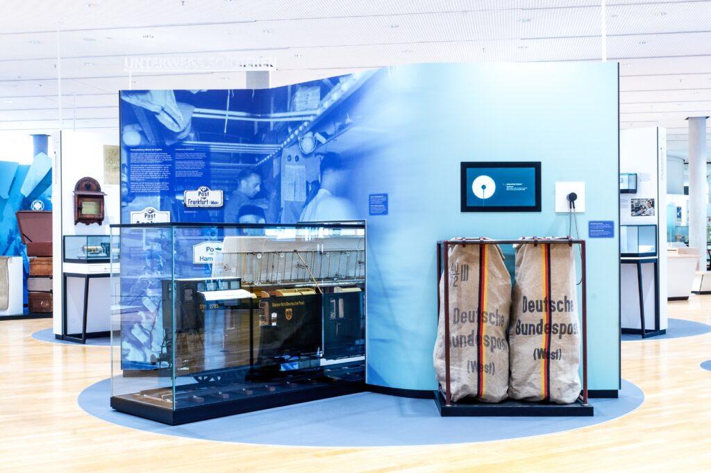 Beschleunigung: Bahnpost, Dauerausstellung, Museum für Kommunikation Frankfurt