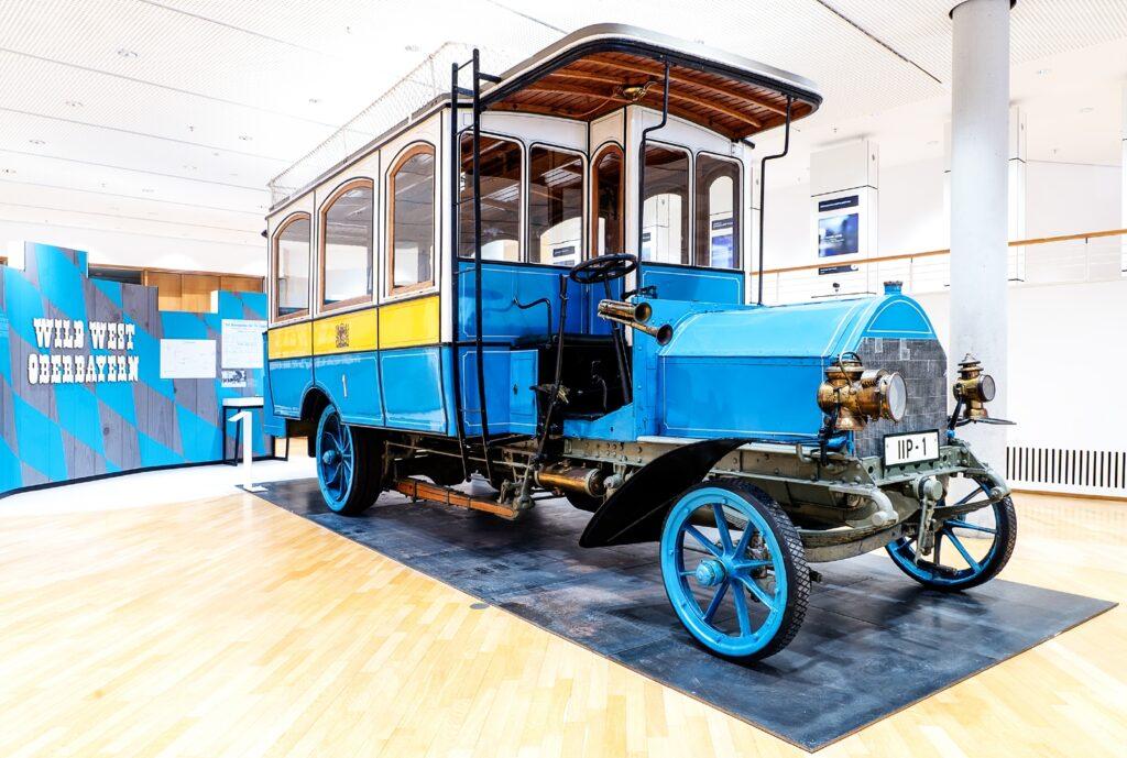 Teilhabe: Postbus, Dauerausstellung, Museum für Kommunikation Frankfurt