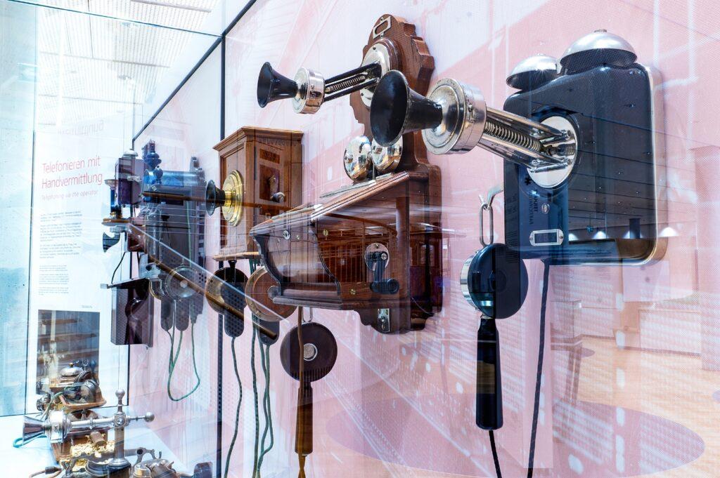 Telefone mit Handvermittlung, Dauerausstellung, Museum für Kommunikation Frankfurt